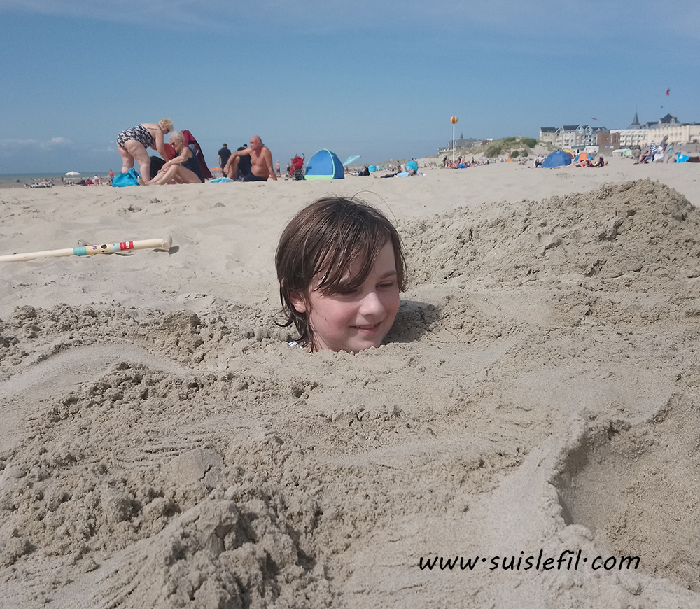 Fry buried at Berck