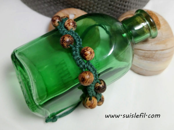 green macrame bracelet