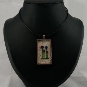 four flowers pendant