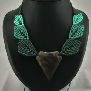 agate green leaf necklace